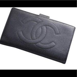 CHANEL Black Caviar Long Wallet EUC